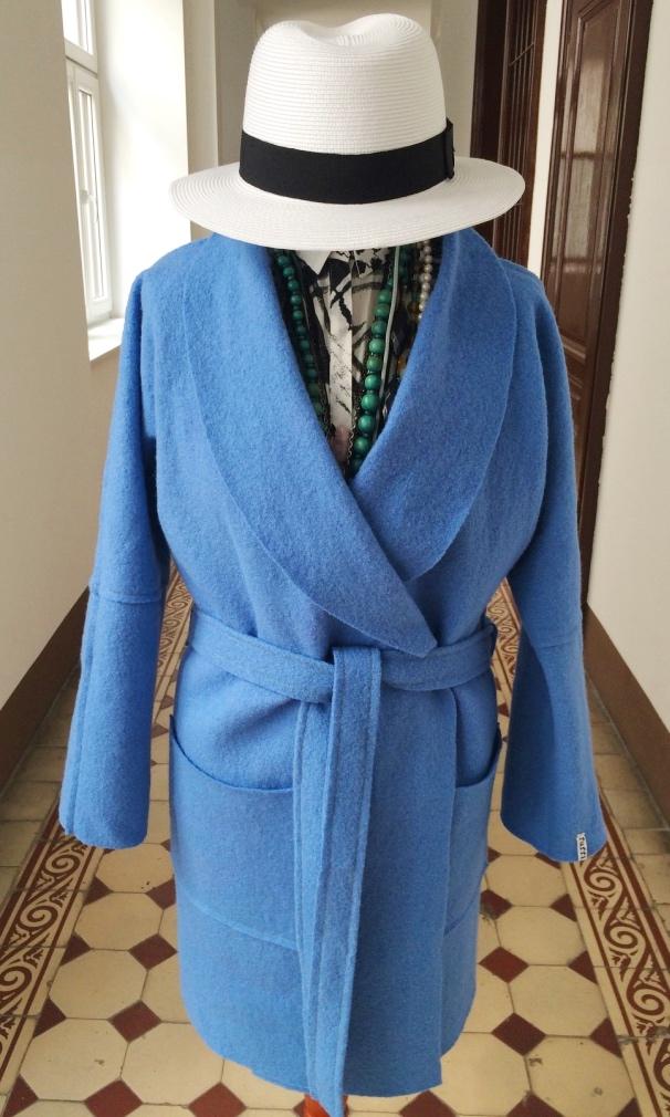 Modell bathrobe ganz geschlossen