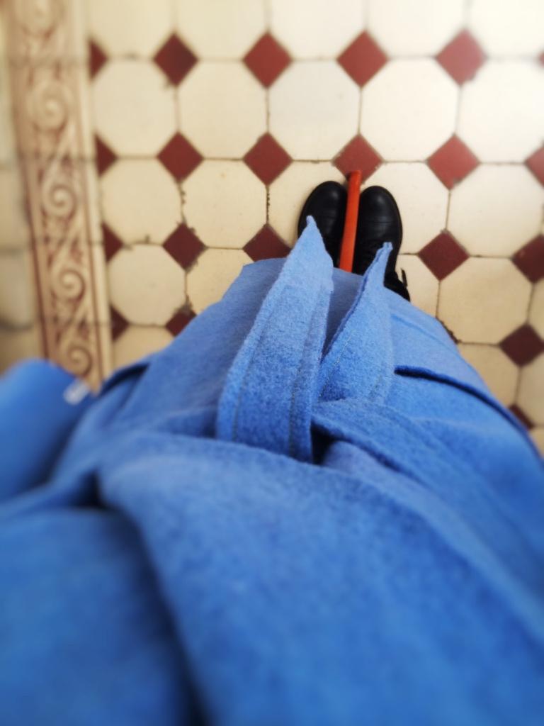 Modell bathrobe von oben runter